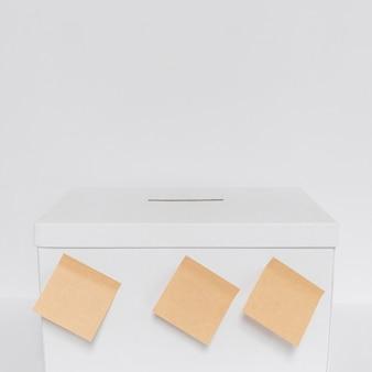 Vista frontale del concetto di elezioni con lo spazio della copia