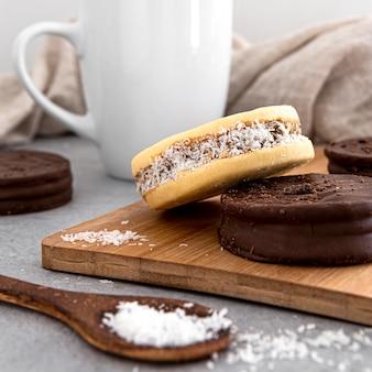Vista frontale di elicious alfajores cookies
