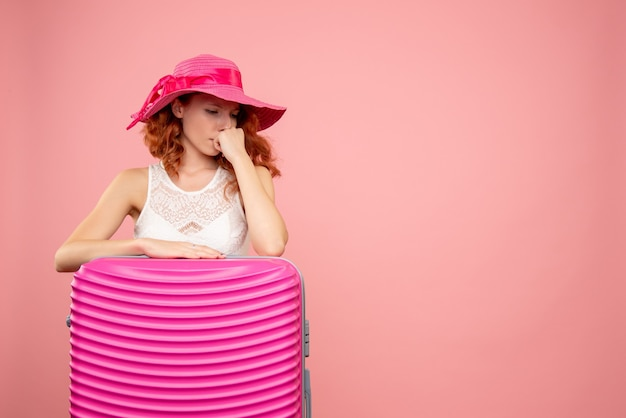 핑크 가방 전면보기 여성 관광