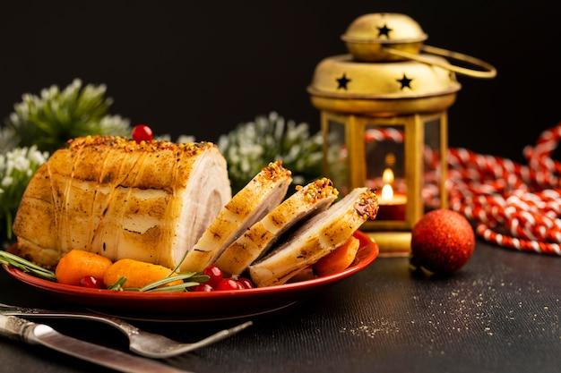 正面図のお祝いのクリスマス料理の構成