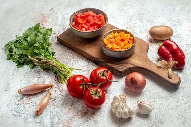 공백에 채소와 전면보기 신선한 야채
