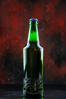 正面図緑色のビール瓶