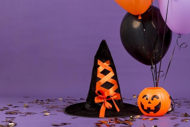 Vista frontale del concetto di halloween con copia spazio