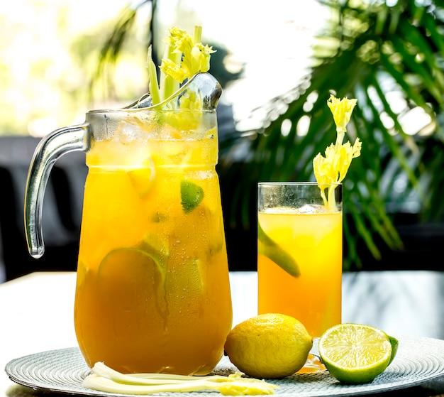 Вид спереди бодрящий лимонад с лимоном лайм и сельдерей