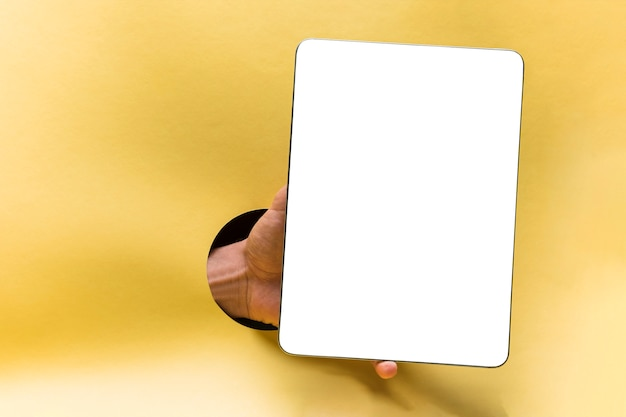 Front view mockup tablet with yellow background