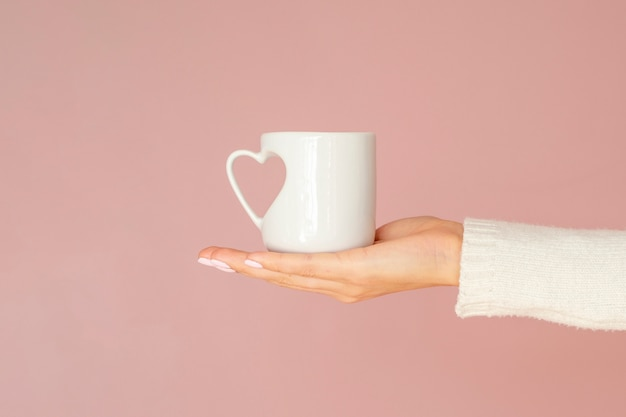 Front view mug with heart handle