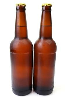 Вид спереди пивных бутылок