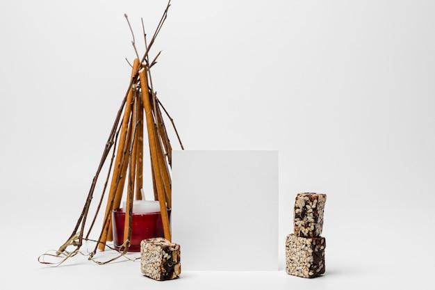 ローリのお祝いのための焚き火の正面図