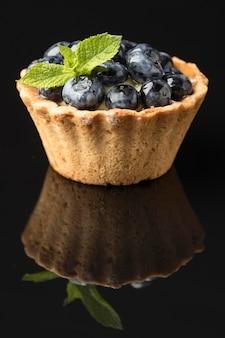 美味しいブルーベリータルトの正面図
