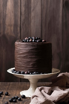맛있는 초콜릿 케이크 개념의 전면보기