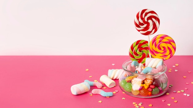 美味しいカラフルなお菓子の正面図