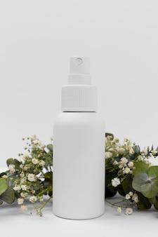 Вид спереди концепции бутылки эфирного масла