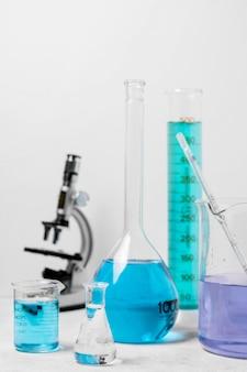 Вид спереди концепции колбу науки