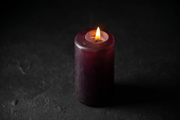 黒の照明キャンドルの正面図