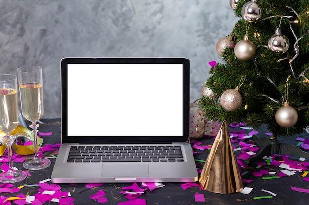 Вид спереди новогодней концепции с копией пространства