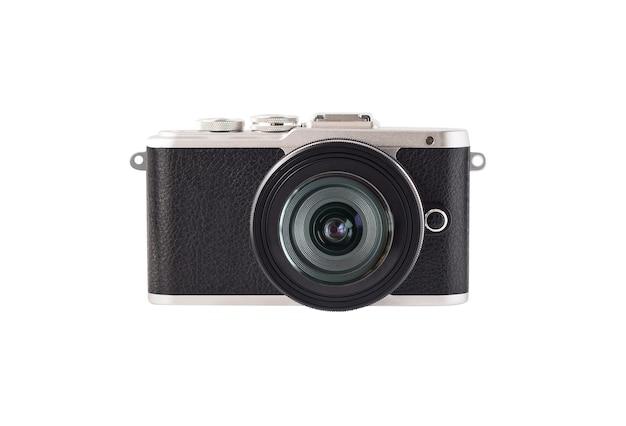 Фотографическая беззеркальная системная камера, вид спереди для фотосъемки