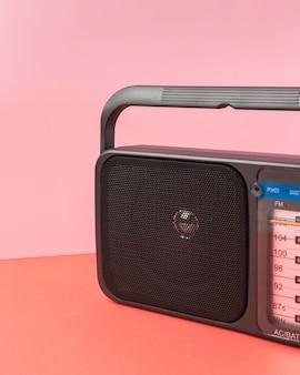 Ретро радио композиция вид спереди