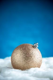 Рождественский шар вид спереди