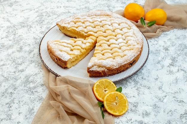 전면 보기 맛있는 레몬 파이 설탕 가루 배경에 케이크 달콤한 비스킷 과자 굽다 쿠키 차 디저트