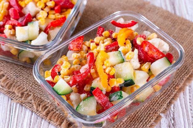 Замороженная овощная смесь в стеклянной таре
