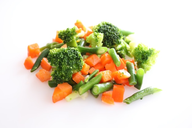 Замороженные овощи изолированы