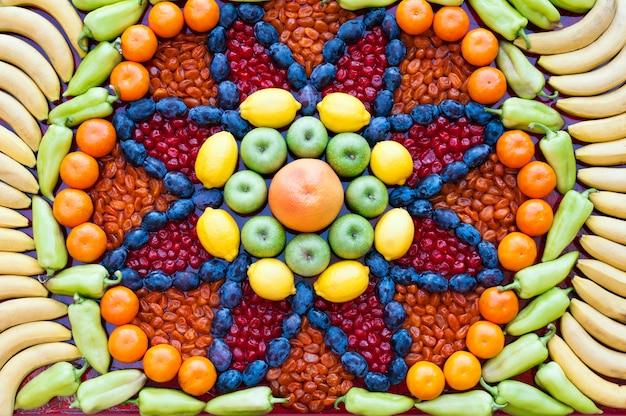 Мозаика из фруктов и овощей