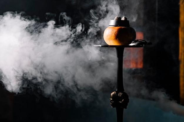 Фруктовая кальянница с дыней и дымом