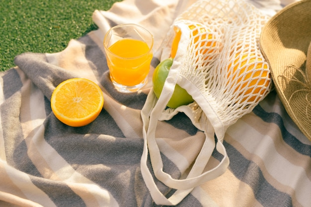 フィールドの格子縞のフルーツネットバッグ