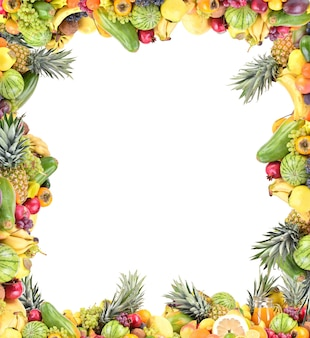 白い背景の上の果物