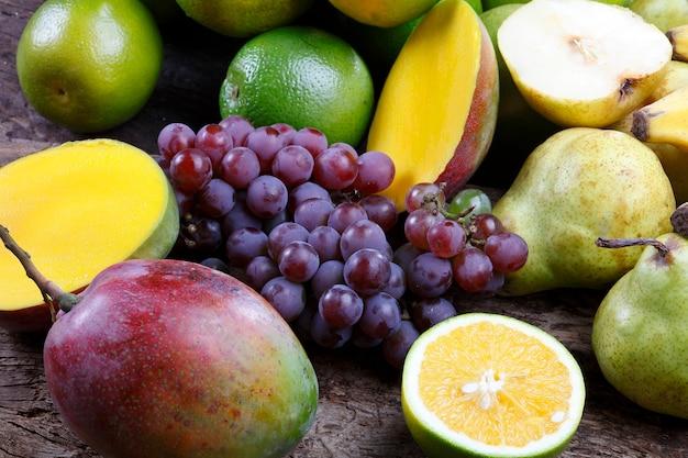 Фрукты, груша, виноград, банан, манго, апельсин