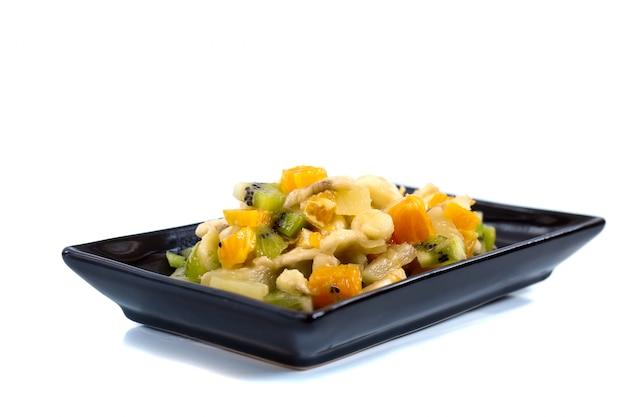 ブラックプレートのフルーツサラダ