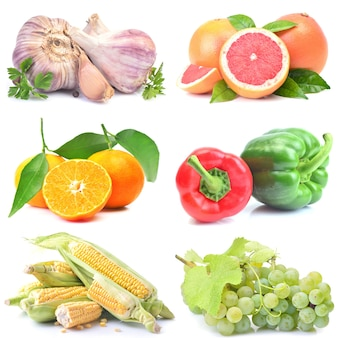 白い背景の上の果物と野菜