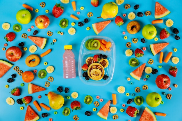 果物と野菜のパンケーキ