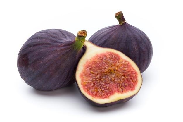 白で隔離される果物のイチジク。