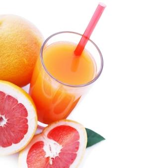フルーツスムージー、夏の冷たい飲み物の上面マクロ。セレクティブフォーカス、ソフトライト