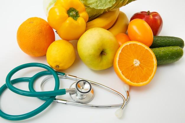 과일, 야채, 주스 및 청진기