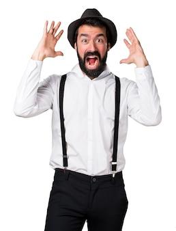 Uomo frustrato hipster con la barba