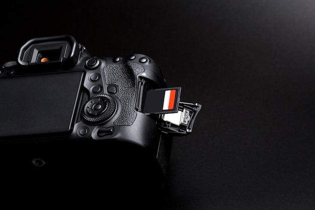 Full-frame dslr camera body and memory card in slot