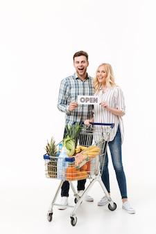 Ritratto integrale di una coppia felice