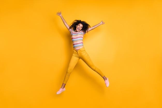 영감 명랑 소녀 점프의 전체 길이보기