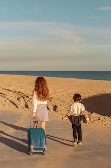 Дети, путешествующие вместе