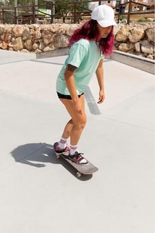 屋外ボード付きフルショットスケーター
