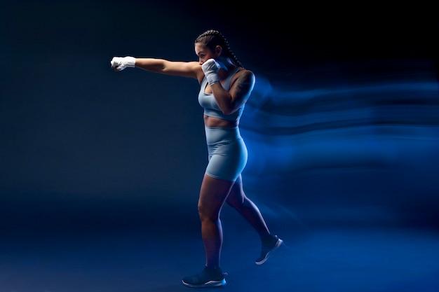 전체 샷 여자 권투