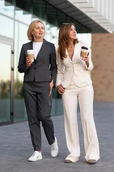 Fullshot women outdoors