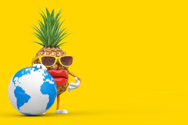 楽しい漫画のファッションヒップスターは、黄色の背景に地球儀とパイナップルの人のキャラクターのマスコットをカットしました。 3dレンダリング