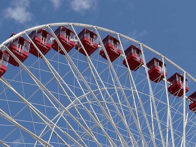 Fun ride ferris wheel amusement chicago downtown
