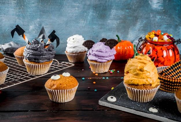 Funny children's cukcakes for halloween
