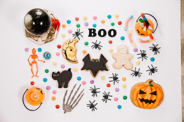 面白いハロウィーンのクッキーとキャンディー