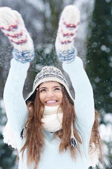 最初の雪との面白い時間