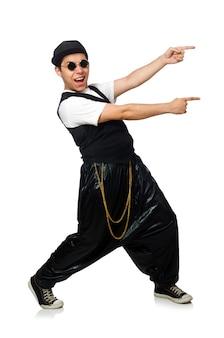 Смешные танцы молодого человека изолированные на белизне